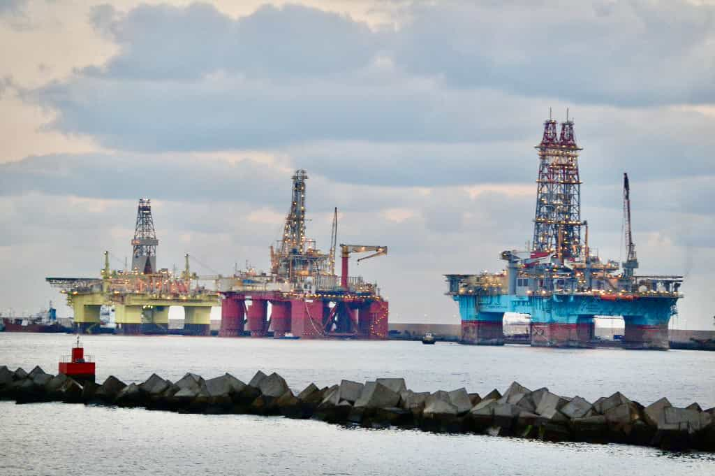 Offshore services and surface treatment